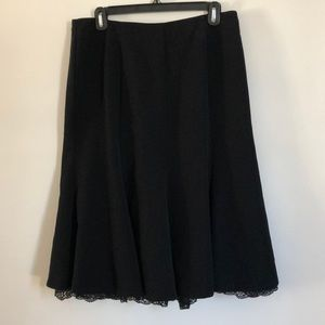 Sag Harbor skirt with lace detail